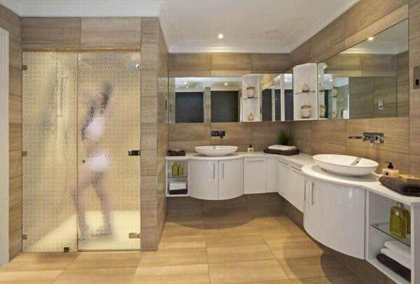 SGD-6008_GlazedCircles_Bathroom_Web_1000x677