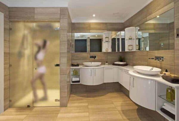 SX-1301_ClearFrost_Bathroom_Web_1000x677