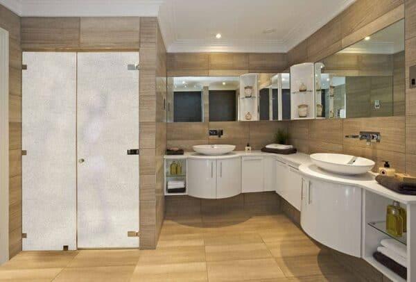 SX-324_FrostedSparkle_Bathroom_Web_1000x677