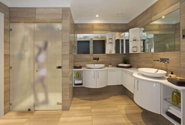 SX-932932_FrostedSquares_Bathroom_Web_1000x677