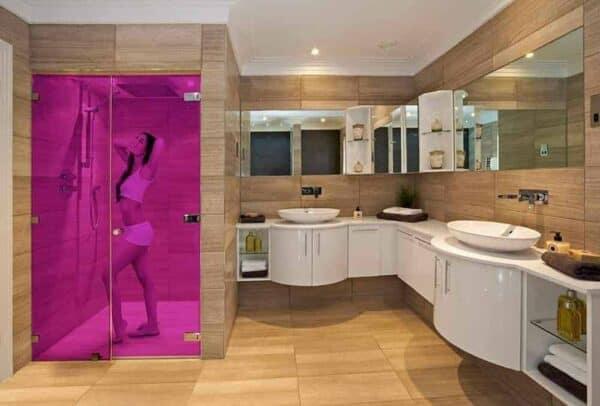 SXO-077_Telemagenta_Bathroom_Web_1000x677