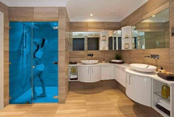 SXP-052UV_AzureBlue_Bathroom_Web_1000x677