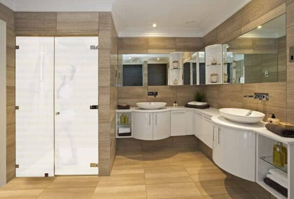 SX-C391_Swiss_Bathroom_Web_1000x677
